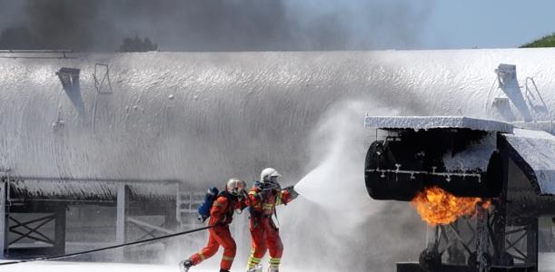 lehrfilm: Brandbekämpfung mit Schaum